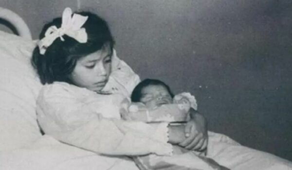 THE MOTHER WHO GAVE BIRTH AT THE AGE OF 5